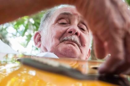 Abismar Gurgel Valente é, provavelmente, o músico de mais longa carreira no Acre: 70 anos (Foto: Arison Jardim)