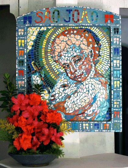 Mosaico de Cândido de Alencar Machado (Matutu, MG), foto de Thais Rebello